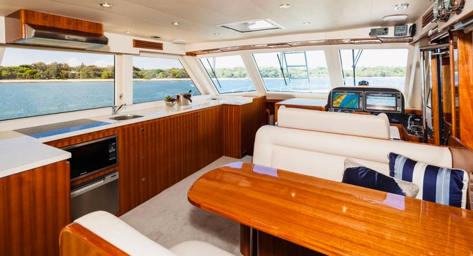 Alaska-Motor-Yachts-Main-Deck